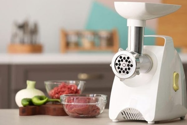 How To Use A Meat Grinder Properly, Effectively And Quickly