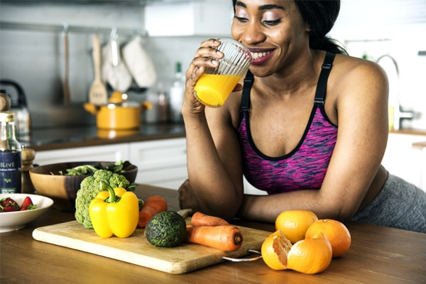 Top 7 Best Omega Juicers - Reviews & Buyer's Guide