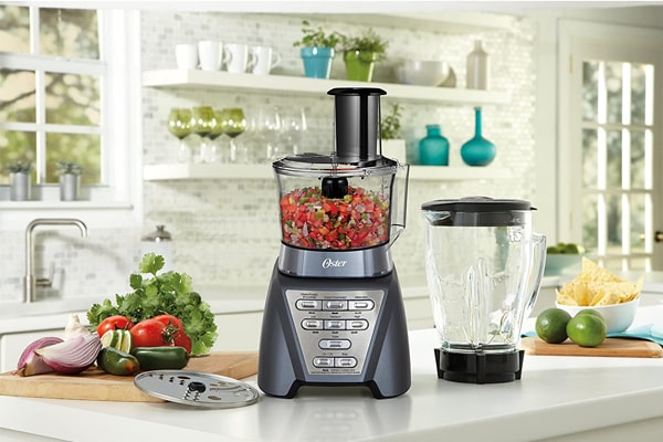 Highlights of the Oster Pro 1200 blender