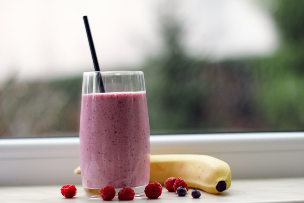 You are currently viewing How To Make A Smoothie Without A Blender: Tips and Recipes