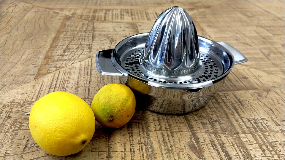 You are currently viewing The Best Lemon Squeezer for your Favorite Citrus Fruits